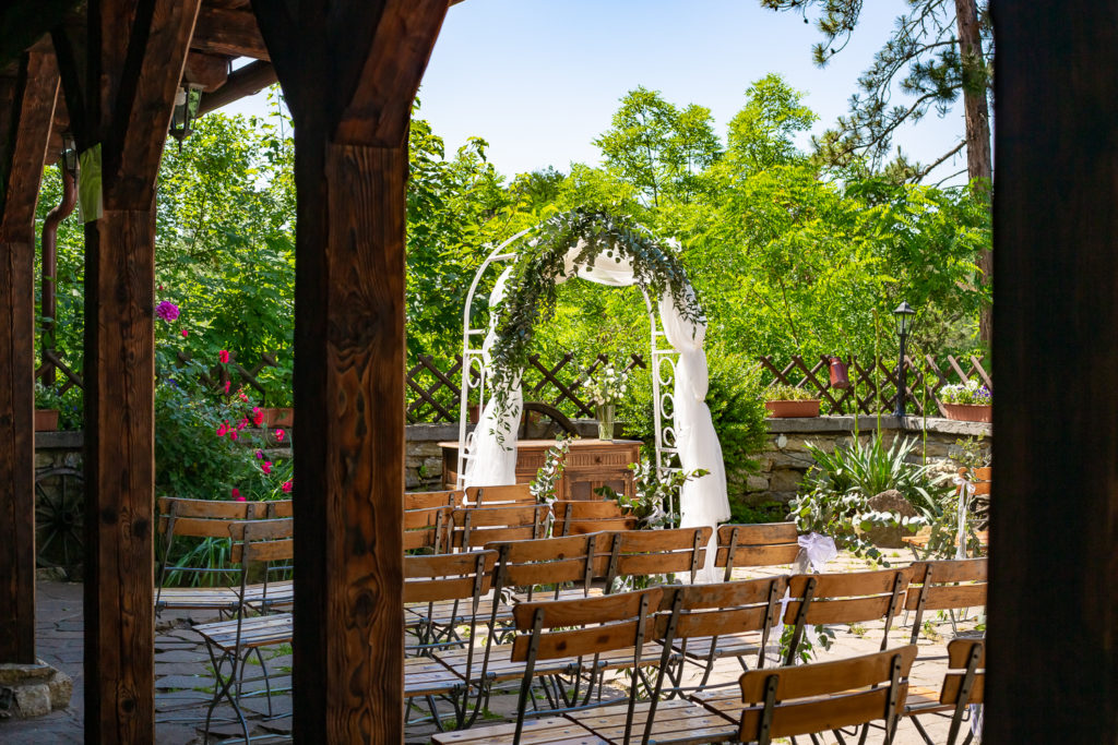 Svatba v restauraci Černý kohout | Svatba v Praze | Svatební fotograf v Praze