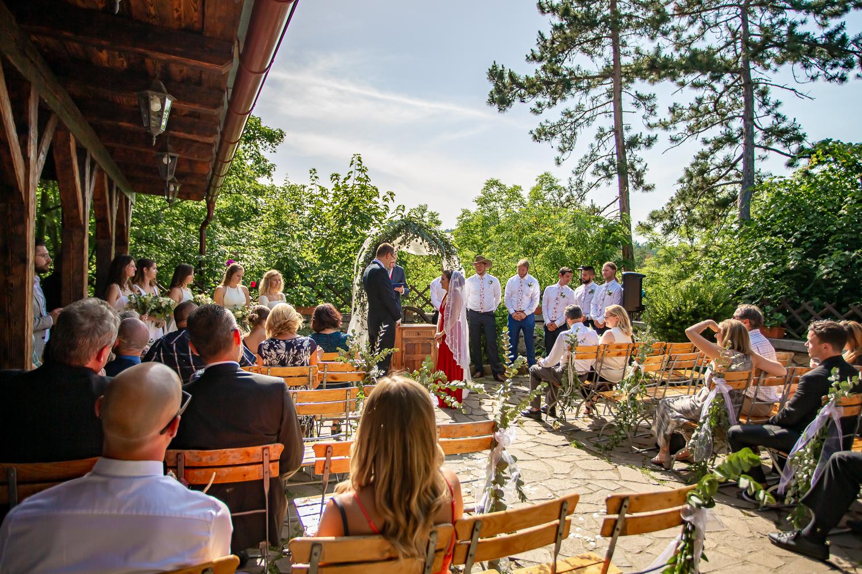 Svatební Fotograf v Praze   Svatba v restauraci Černý kohout