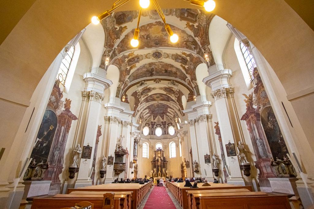 Svatebni fotograf v Praze - Břevnovský klášter